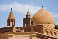 Dome of Vank Cathedral (DSLEWIS) Tags: church iran iglesia persia esfahan eglise isfahan armenianchurch armenians vankchurch julfa