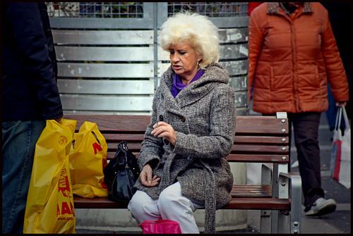 Una mujer teñida en la favoritenstrasse de Viena