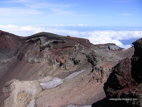 Fuji climb crater