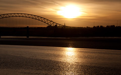 England - Cheshire - Widnes - Silver Jubilee Bridge - 28th October 2010 -45.jpg (Redstone Hill) Tags: england mersey widnes halton rivermersey silverjubileebridge runcornwidnesbridge