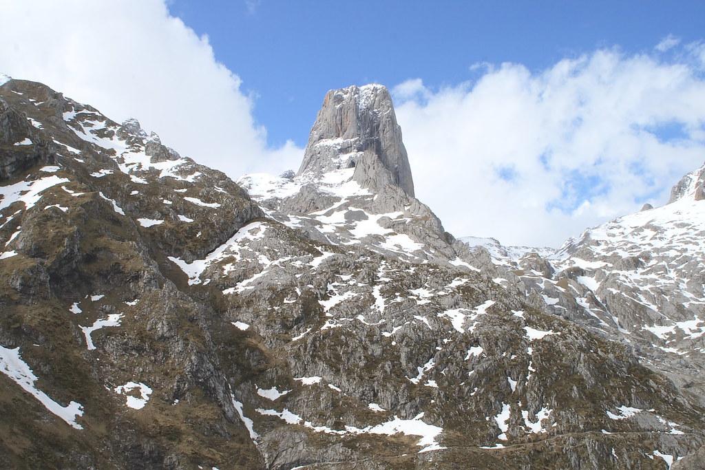 Pico Urriello (Naranjo de Bulnes)
