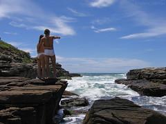 Ado e Eva no Paraso... / Adam and Eve in Paradise... (EsteMar Dantas) Tags: sea brazil sky brasil pose landscape mar rocks rj paisagem cu bzios rochas praiadafoca estemar
