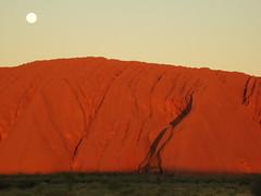 Moon Rising, Uluru (No Fixed Address / TJ) Tags: voyage trip travels nt australia dreaming sacred uluru aboriginal redcenter tj northernterritory ayersrock yulara redcentre timjohnson nofixedaddress timothyjohnson agoriginee