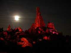 Big Thunder Mountain at night (Rick & Bart) Tags: paris train mine fast disney rollercoaster soe bigthundermountain disneylandparis thebigone mywinners botg diamondclassphotographer flickrdiamond theunforgettablepictures betterthangood rickbart thebestofday gnneniyisi disneyphotochallenge disneyphotochallengewinner rickvink