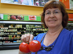 Year 4~Day 204 +175/365 AND Day 1300: Celebrating One Year of a Healthier Me (Old Shoe Woman) Tags: usa selfportrait me georgia valdosta tomatoes ofme walmart grocerystore 365days