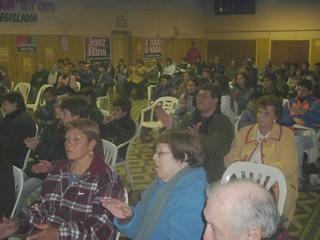 Público presente en el cieere de campaña de Oscar Reuler