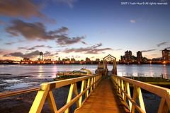 Dadaocheng Wharf at Night (*Yueh-Hua 2016) Tags: longexposure sunset canon eos taiwan tokina wharf  taipei   1224mm  30d   dadaochengwharf canoneos30d horizontalphotograph t124 tokinaatx124proifdx1224mmf4 2007september