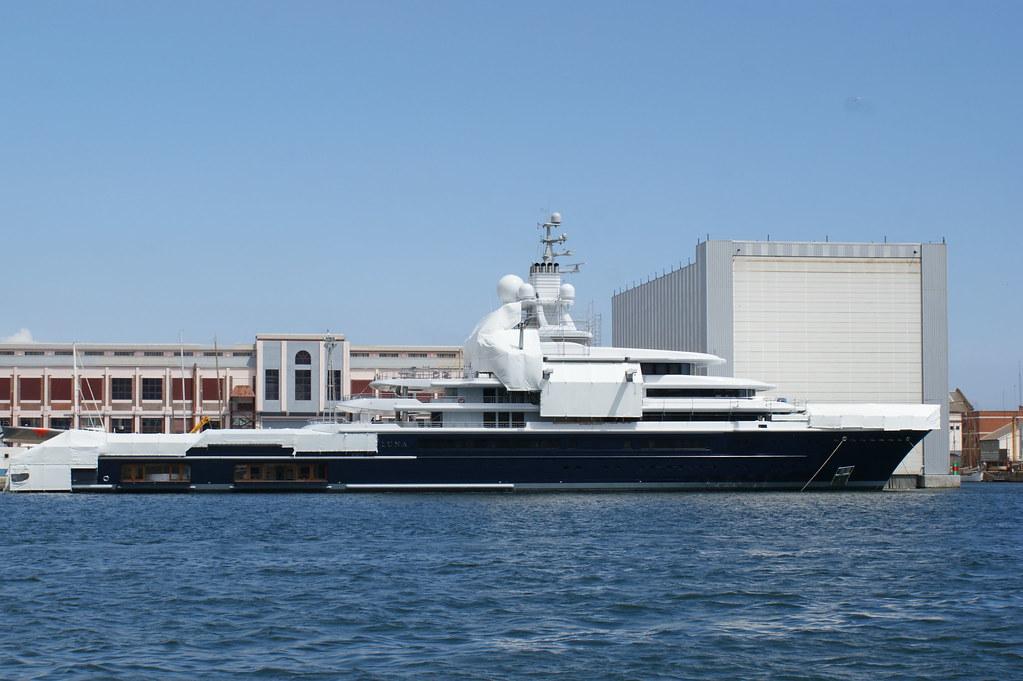 Яхта Абрамовича Luna