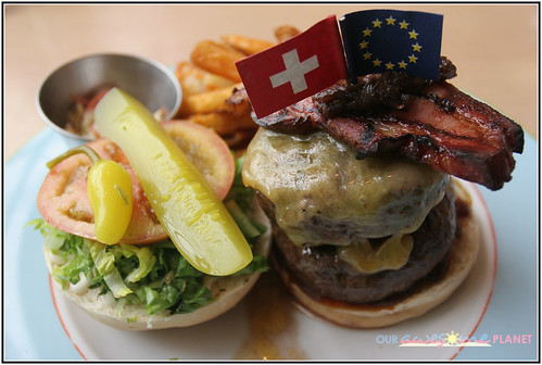 Mr. Jones' Homemade Char-grilled 100% US Beef Superman Burger 350g (P475)