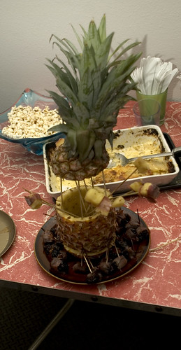 pineapple holder