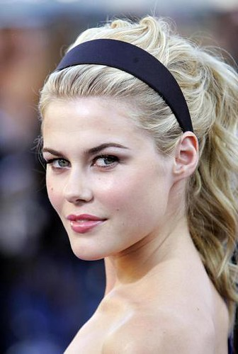 rachael taylor at transformers permiere