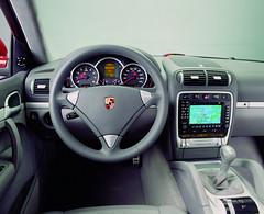 Porsche Cayenne gts 2