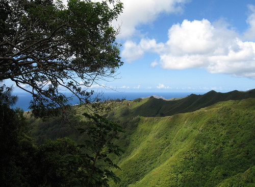 kuli`ou`ou ridge hike