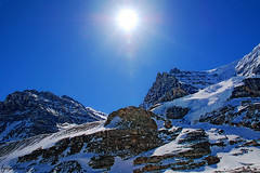 Athabasca glacier sun (Linda Goodhue) Tags: blue sky sun mountain snow canada ice highway jasper bluesky glacier highway1 covered alberta banff transcanadahighway transcanada icefields jaspernationalpark columbiaicefields canadianrockies athabascaglacier snowcoveredmountain lindagoodhuephotography