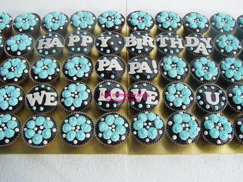 'We  Love U Papa' Cupcakes