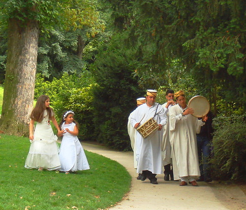 frenchnorth african wedding at buttes chaumont