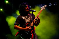 De-Myth vocalist-lead guitar