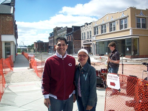 Restoration Group Board President Tino Ochoa and 5th Ward Alderwoman April Ford Griffin at Crown Square (courtesy of ONSL Restoration Group)