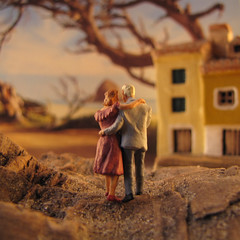 the house (Simone R) Tags: ocean sea macro beach fairytale toys couple pair driftwood dreamworld wonderland diorama dreamscape thehouse tinypeople miniatureworld hoscale preiser railwayfigure railwayfigures dioramafigure collectionwonderland
