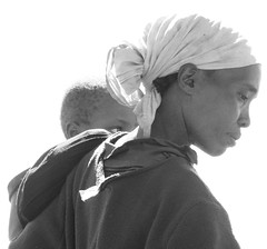 Tea picker and son (ROSS HONG KONG) Tags: bw woman white black child tea kenya sony crop alpha laborer kenyan picker kericho a900 blackwhitephotos flickraward