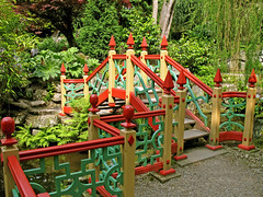 Bridge to the secret garden (KirscheTortschen) Tags: uk bridge garden chinesegarden nationaltrust biddulphgrangegarden impressedbeauty favoritegarden jalalspagescoloursoflifealbum
