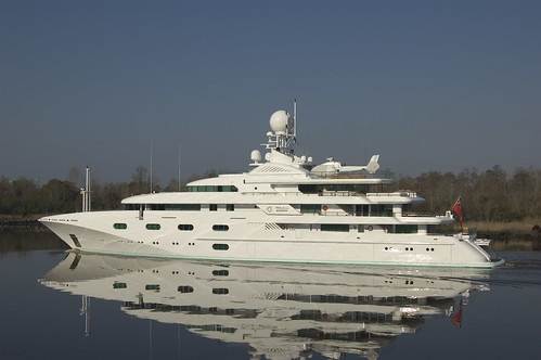 carlos slim world's richest man yacht