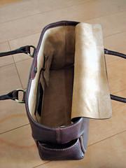 Tsuchiya-Kaban : leather tote bag