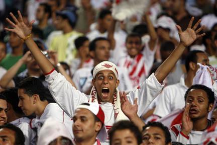 نهائي كأس مصر الاهلي و الزمالك وفوز الاهلي بالكأس the Egyptian Cup finals in Cairo July 2, 2007. Al-Ahly won 4-3 in overtime