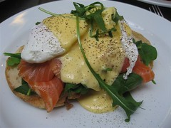 Eggs Benedict w Baby Spinach and Smoked Salmon (aptronym) Tags: food breakfast toast sydney eggs spinach smokedsalmon eggsbenedict hollandaise thebreakfastclub strandarcade aptronym sydneybreakfasts strandespresso