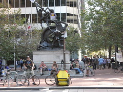 Security Guard Strike (brunoboris) Tags: sanfrancisco bike bicycle delivery strike marketstreet statute securityguards readingnewspaper