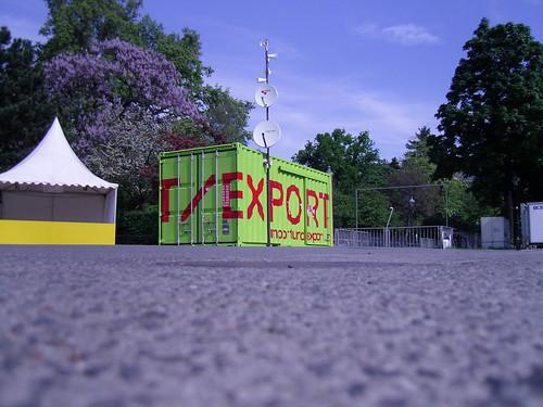 IMPORT/EXPORT am Rathausplatz b