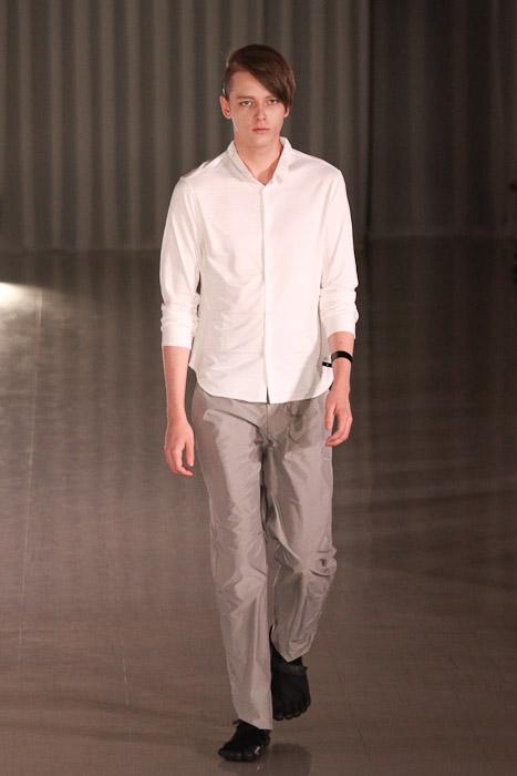 SS11_Tokyo_MOLFIC015_Daniel Hicks(Fashionsnap)