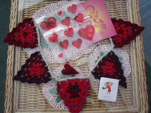 Pretty Bunting, Heart Brooch, Jelly Hearts, 'Giving' card. So pretty! Thank you!!