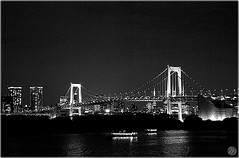 b/w rainbow (marketamedkova) Tags: life bridge sea summer japan night japanese lights tokyo blackwhite rainbow odaiba 2007 d40x