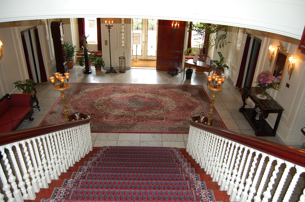Grand  Staircase  /  Entrance Hall  -  Eastman  House