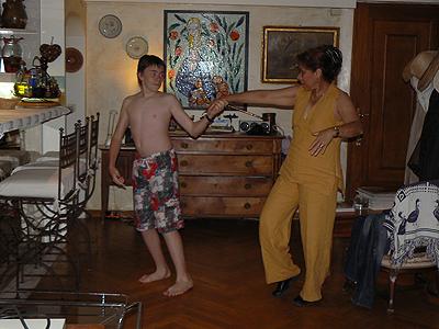 danse chez Papy.jpg