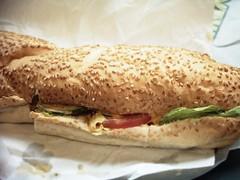 Anglų lietuvių žodynas. Žodis sandwiches reiškia sumuštiniai lietuviškai.