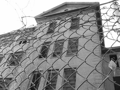 "Northampton State Hospital, b&w. • <a style=""font-size:0.8em;"" href=""http://www.flickr.com/photos/11840908@N08/1199707956/"" target=""_blank"">View on Flickr</a>"