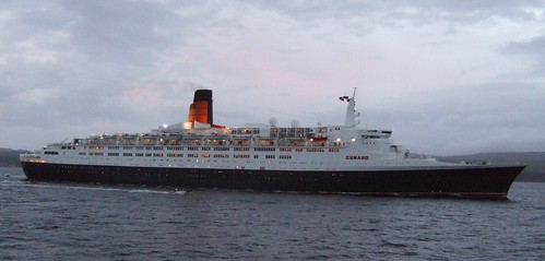 QE2 Heading down the Clyde, on her 40th Birthday