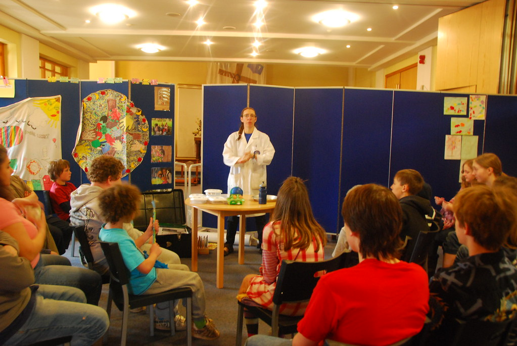Mad Science at the Hope Centre