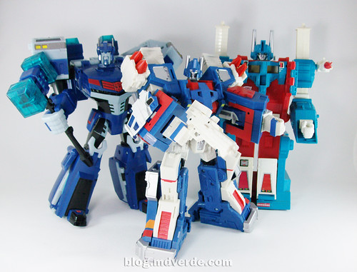 Transformers Ultra Magnus Classics + City Commander vs G1 vs Animated - modo robot