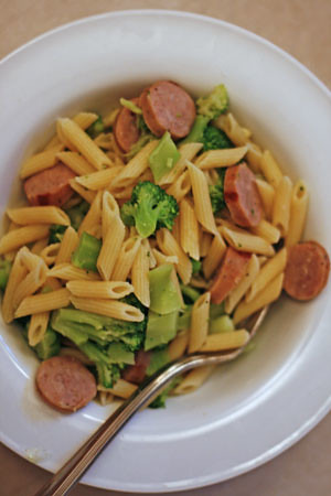 Penne with Bratwurst and Broccoli