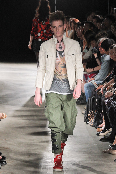 Vincent Hoogland3039_SS11_Tokyo_GUT'S DYNAMITE CABARETS(Fashionsnap)