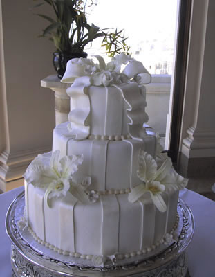 Alabama Wedding Cakes We provide the freshest cakes and pastries around