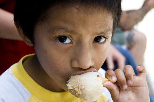 Kaday�f ve Dondurma yiyen �ocuk resmi laz�m