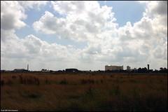 Hoogkerk (Dit is Suzanne) Tags: sky netherlands weide view nederland meadow canondigitalrebel uitzicht groningen lucht   suikerfabriek hoogkerk views200 deheld  img8029  leegeweg  ditissuzanne tamron28200mm13856 18072007