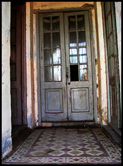 Welcome to the past (nasha_) Tags: door tile uruguay puerta floor piso baldosa coloniadesacramento