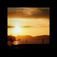 Xixn sunset (fertraban) Tags: sunset sol gijn asturias escultura puestadesol estatua elogio asturies xixn elogiodelhorizonte madredelemigrante platinumphoto anawesomeshot aplusphoto ltytr2 ltytr1 ltytr3