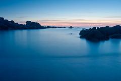 Pedras Negras (Maio, e I) (David GP) Tags: sunset sea praia beach mar rocks playa atlantic galicia galiza puestadesol pontevedra rocas atlntico anochecer anoitecer postadesol rochas ogrove pedrasnegras