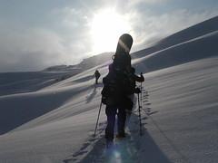 Aufstieg bei Pulverschnee und Sonne!